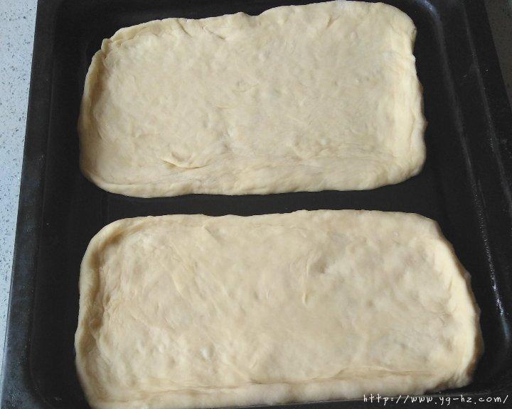 披萨饼皮(普通面粉版)的做法 步骤3