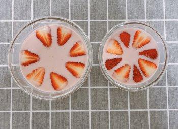草莓布丁的做法步骤图,