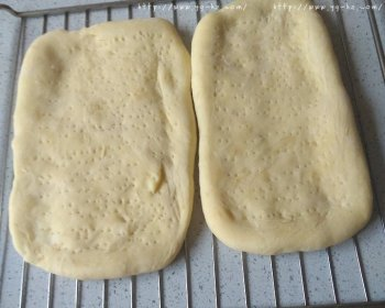 披萨饼皮(普通面粉版)的做法步骤图