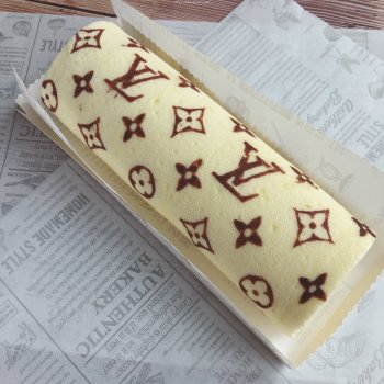 原创~低调的手绘蛋糕卷的做法步骤图