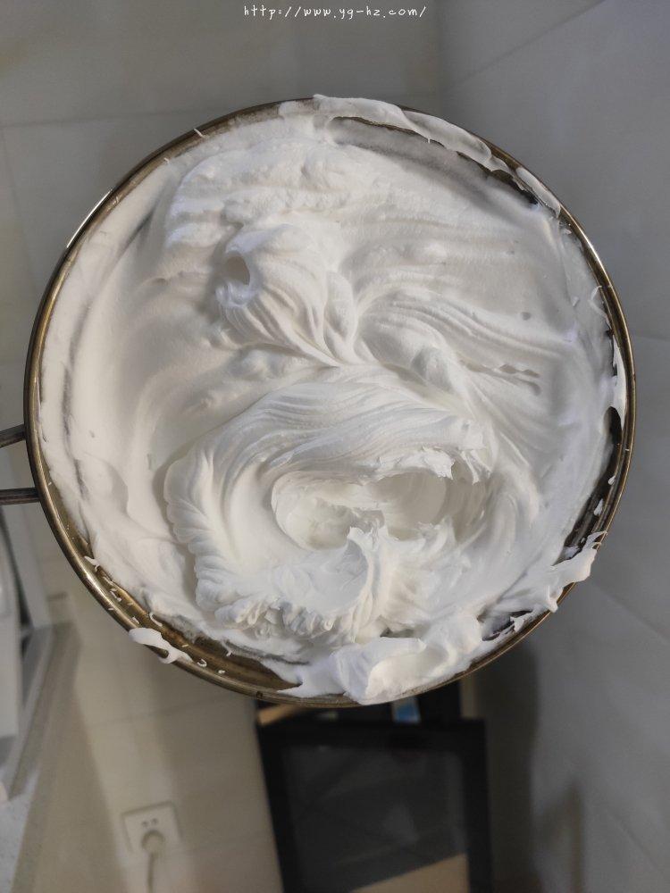 如何打发奶油=奶油打发全过程的做法 步骤5