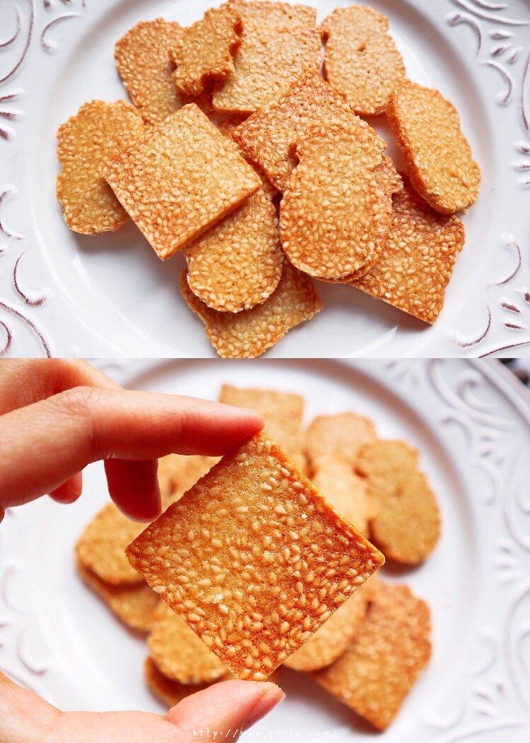 只需搅一搅超简易蛋白芝麻薄脆的做法