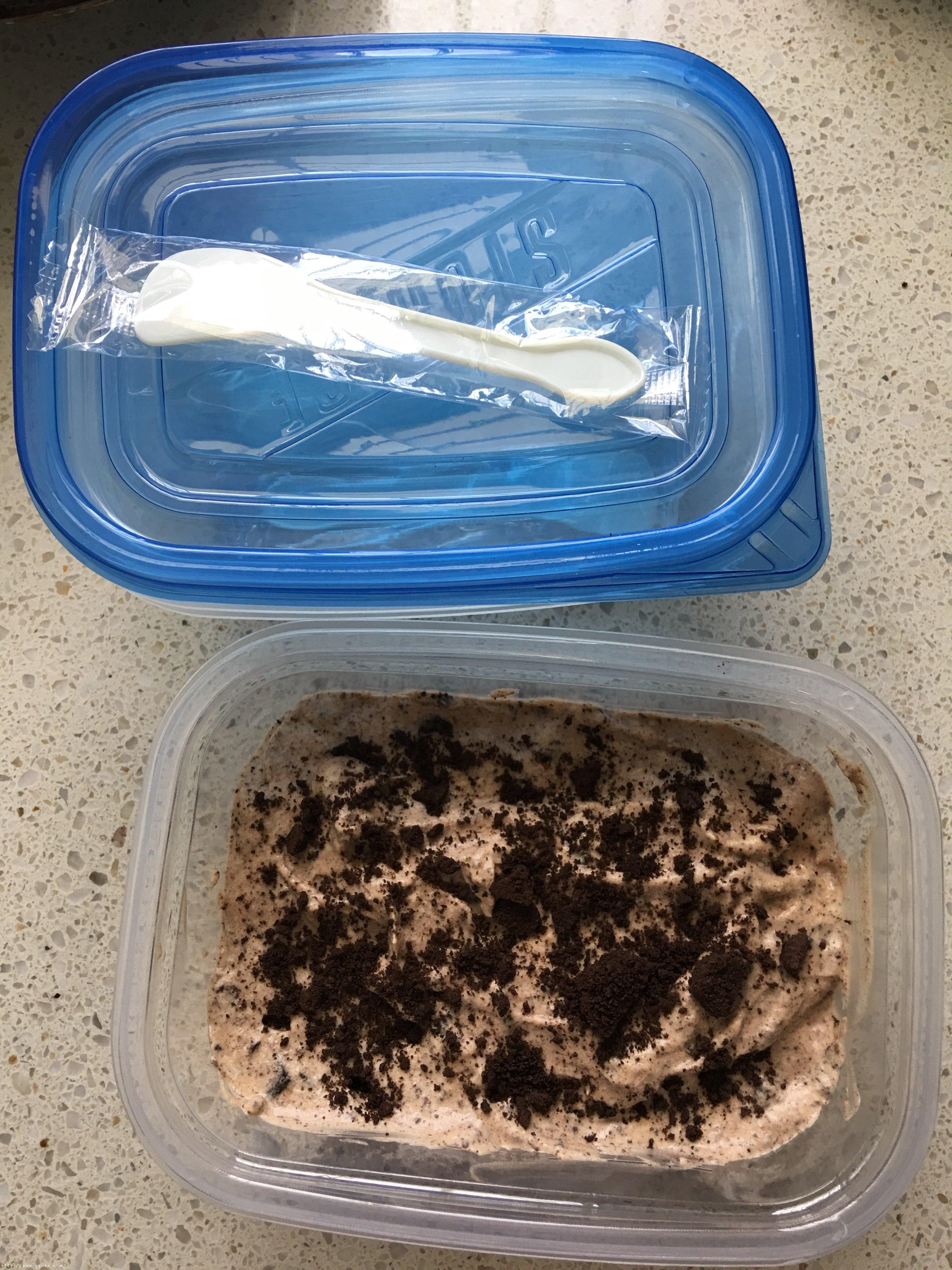 不用搅拌的奥利奥冰淇淋的做法 步骤7