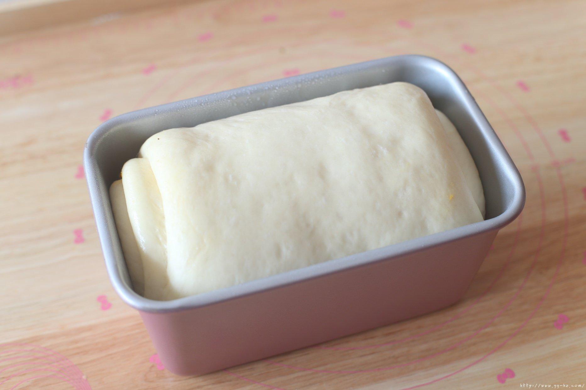 无敌好吃的蛋黄肉松吐司的做法 步骤11
