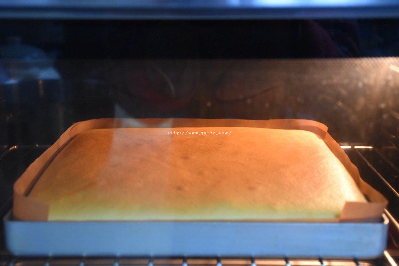 软绵绵瑞士卷的做法 步骤15