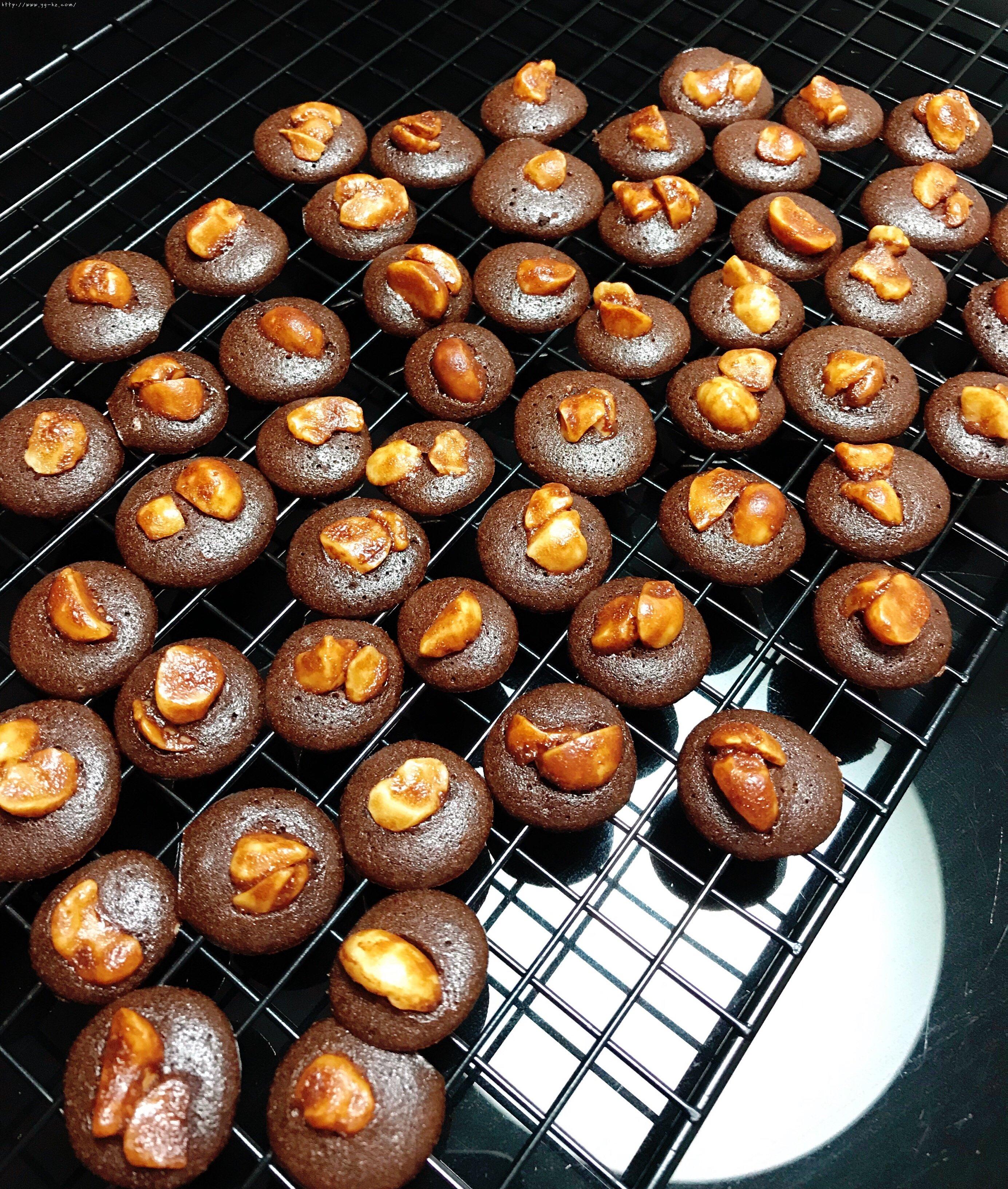 快手零失败巧克力脆片小饼干(消耗蛋清)的做法 步骤14