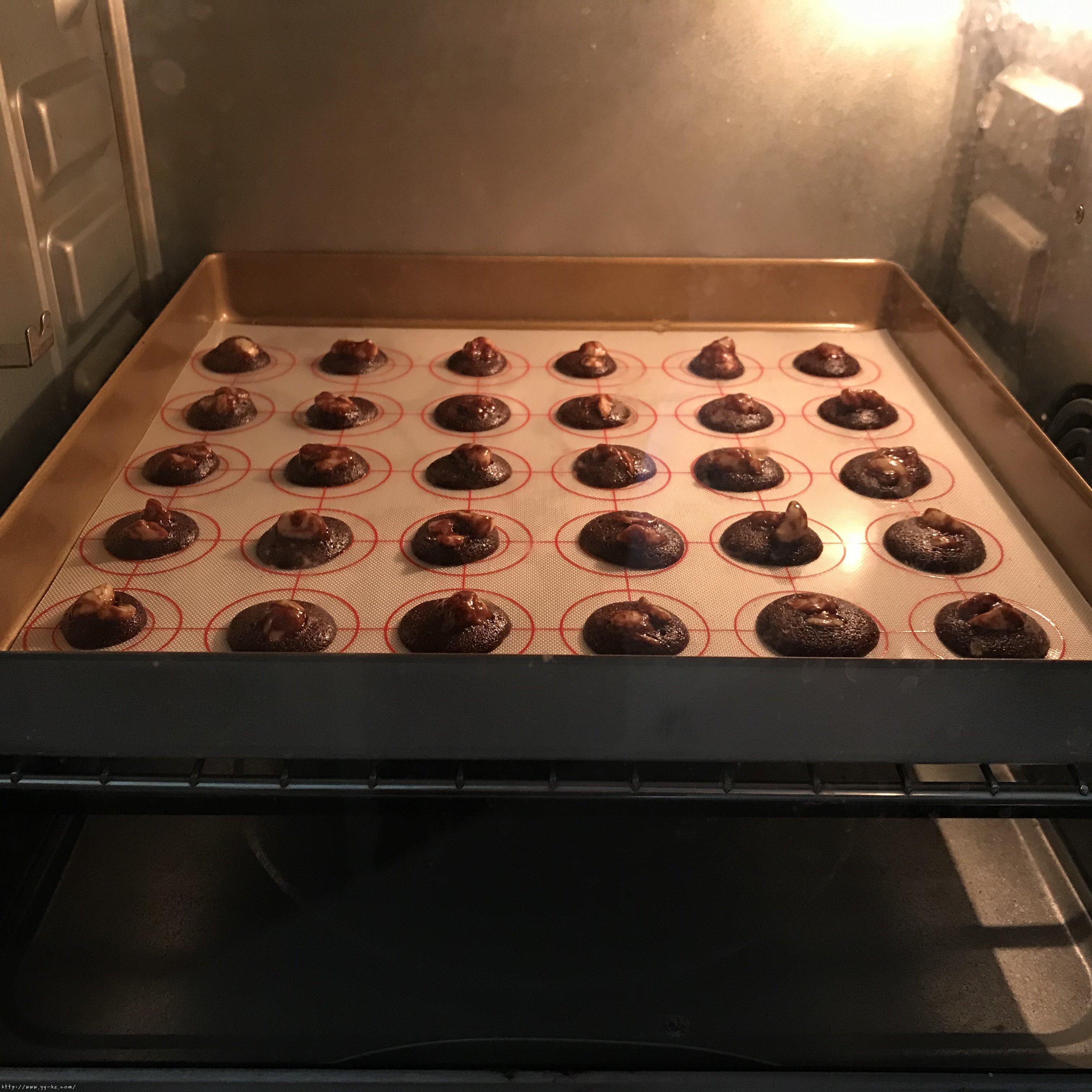 快手零失败巧克力脆片小饼干(消耗蛋清)的做法 步骤13