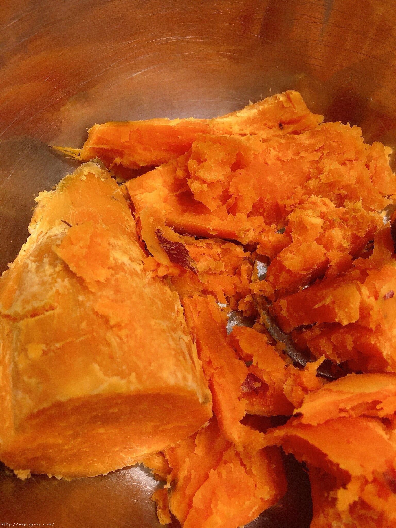 超简单红薯燕麦饼(饱腹+健康+儿童健康副食)的做法 步骤2