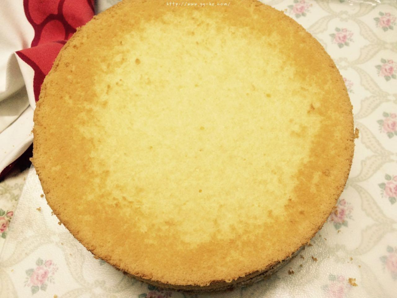 教你做一个不塌陷不缩腰口感细腻的戚风蛋糕(八寸)的做法 步骤8