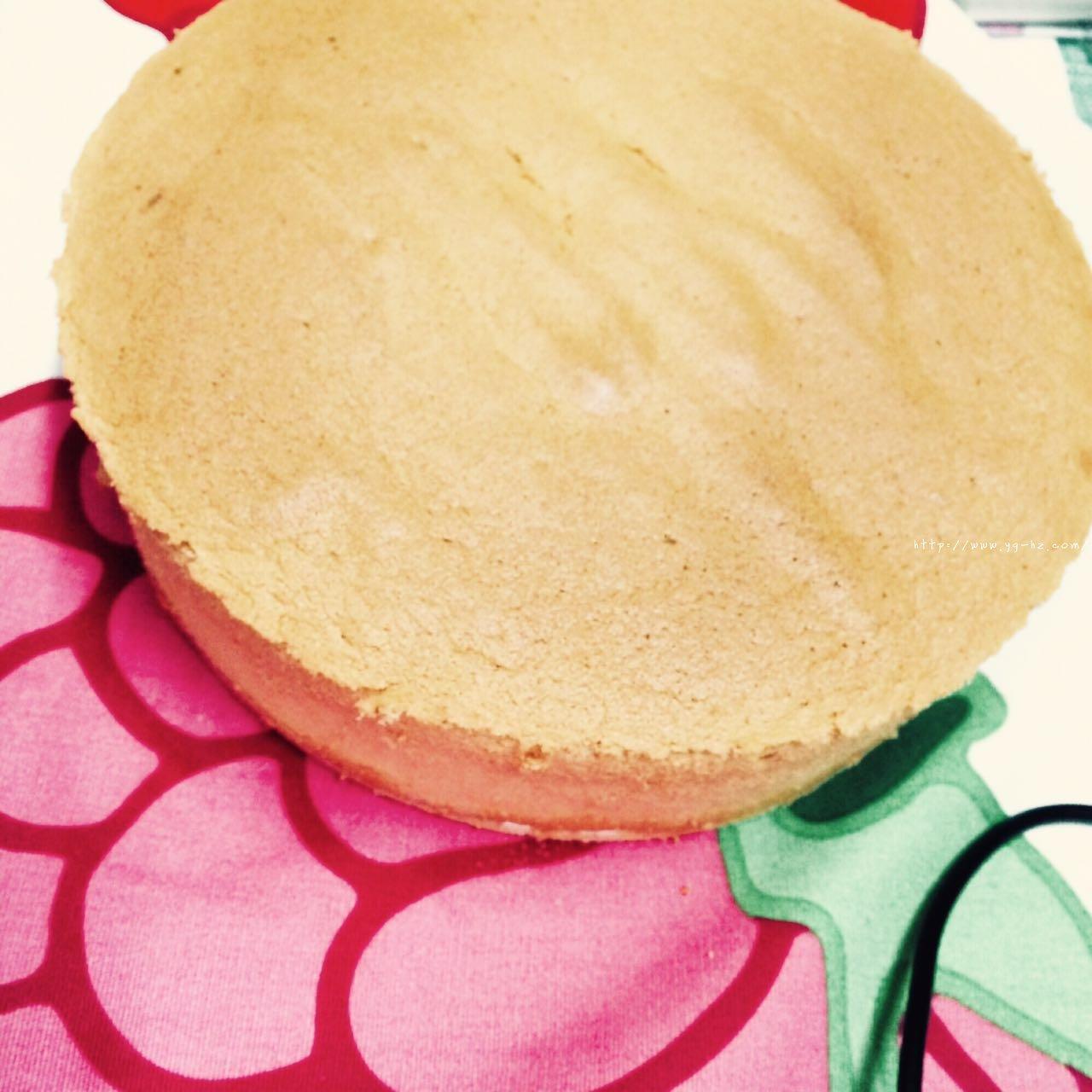 教你做一个不塌陷不缩腰口感细腻的戚风蛋糕(八寸)的做法