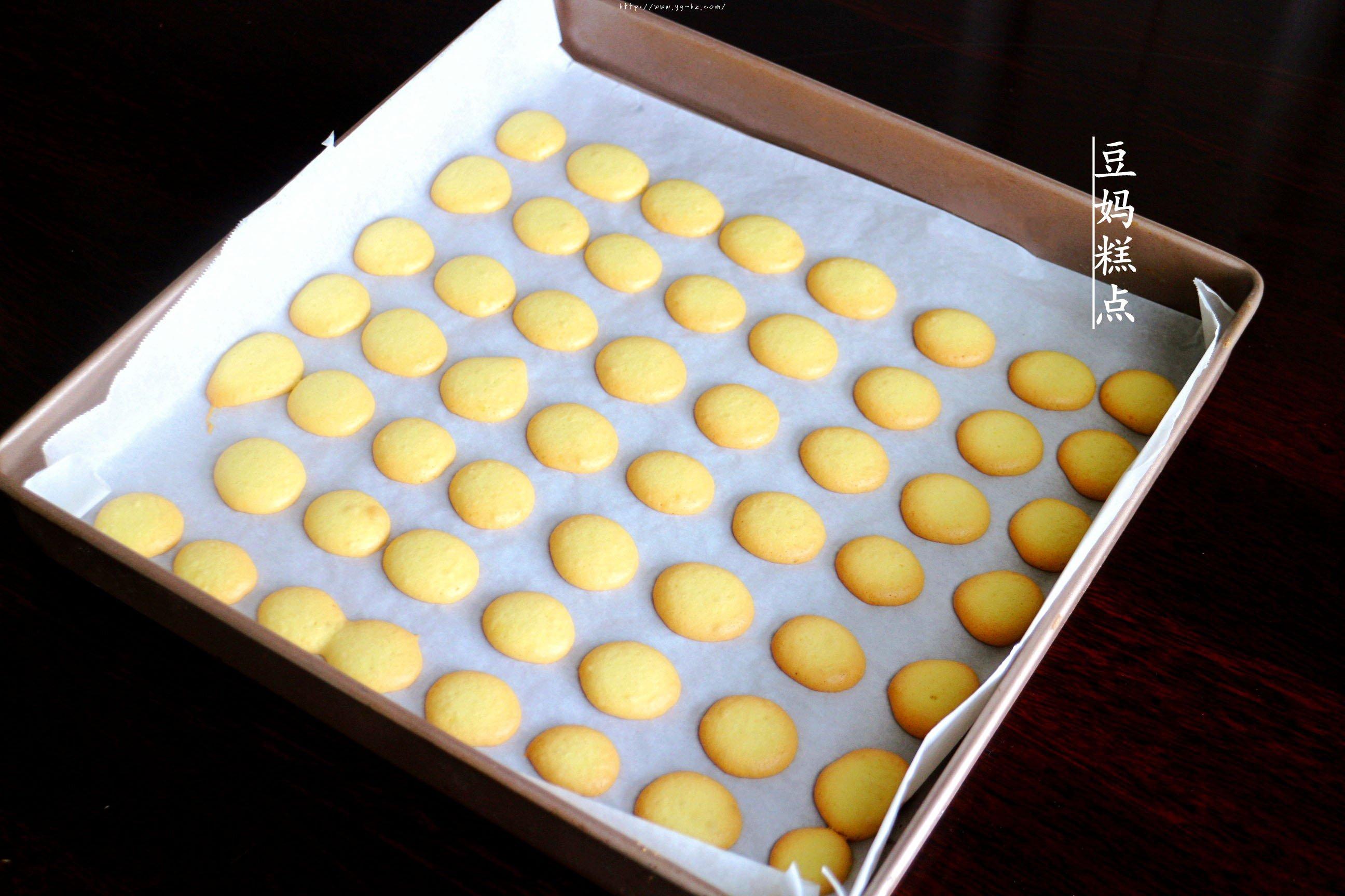 鸡蛋小饼干,又香又酥,比买的还好吃的做法 步骤11