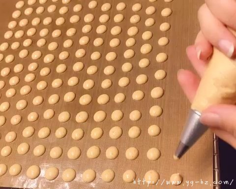 超详细版-果蔬蛋黄溶豆-无糖无淀粉的做法 步骤15