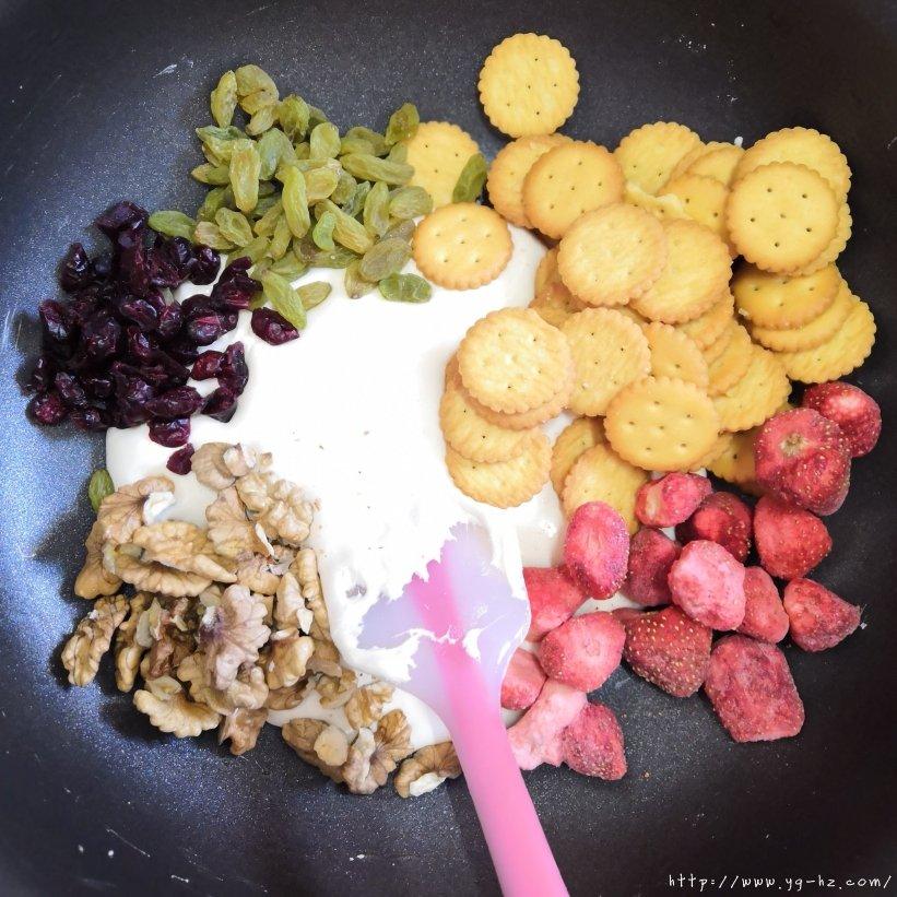 冻干草莓雪花酥的做法 步骤11