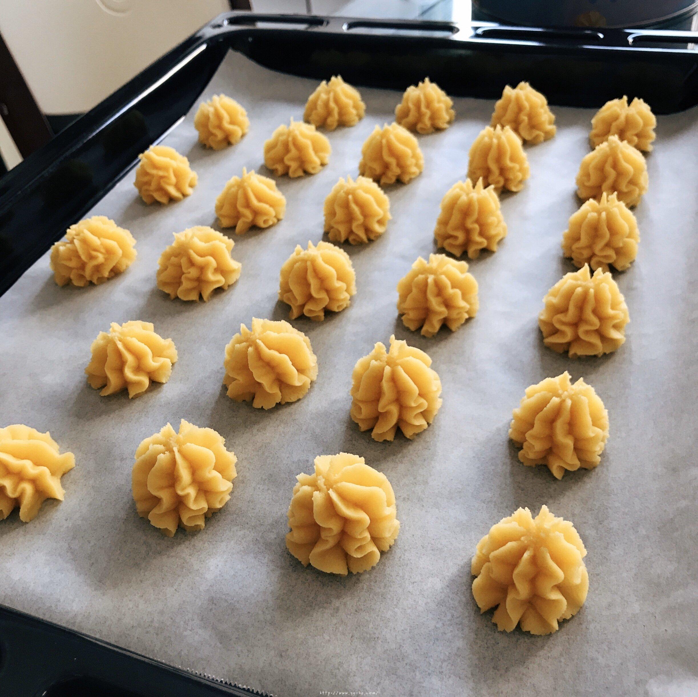 酥酥的黄油曲奇的做法 步骤7