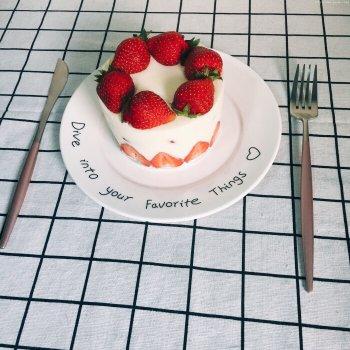 4寸加高草莓慕斯的做法