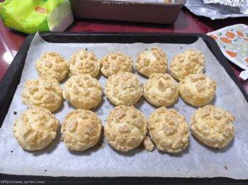 酥皮泡芙(8个小的,普通面粉,植物油)的做法步骤图