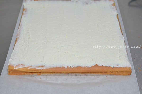 红曲波点蛋糕卷--给新年的蛋糕加点喜庆的做法 步骤11
