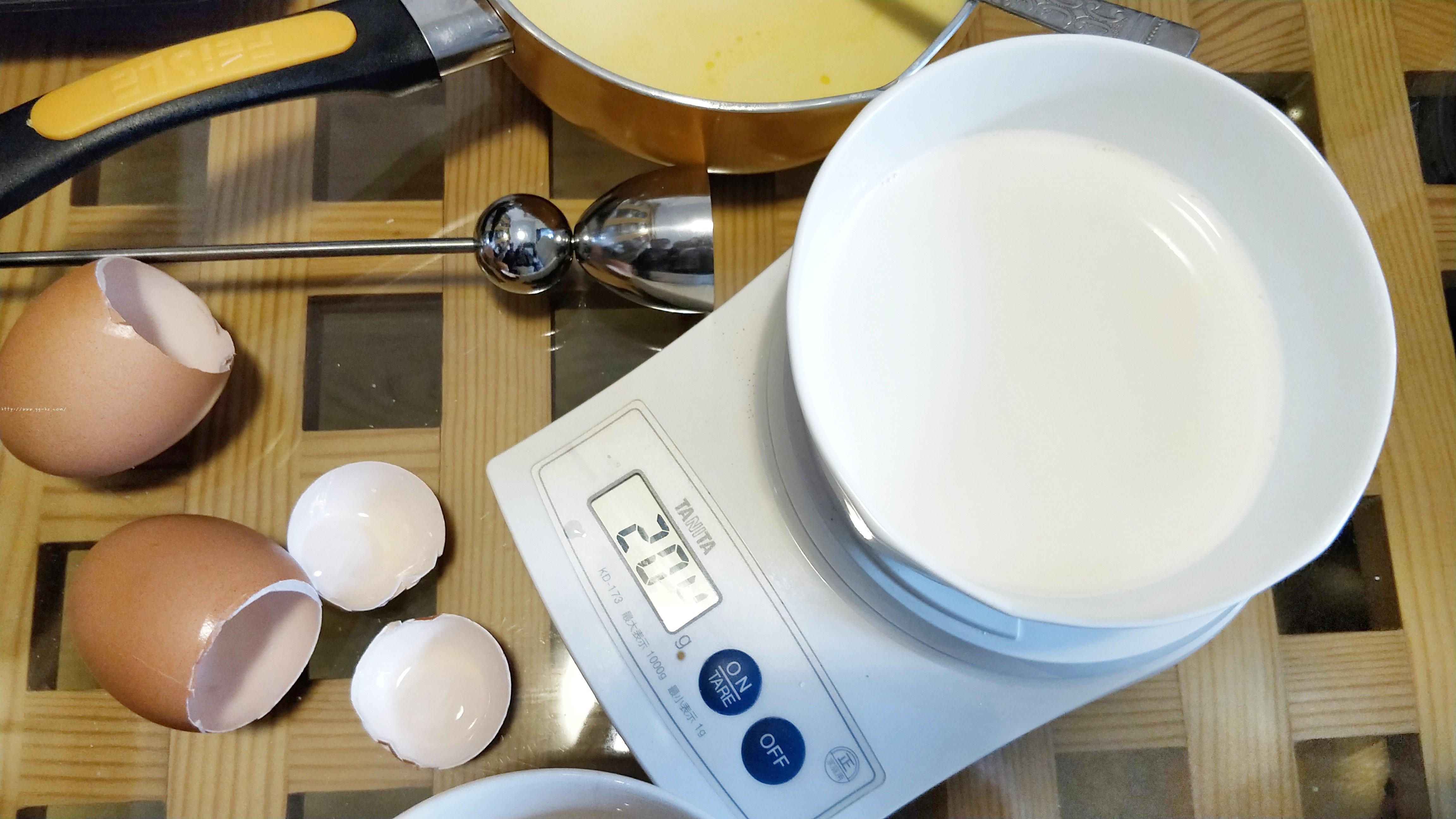 奶油布丁(冻伤淡奶油的补救办法)的做法 步骤3