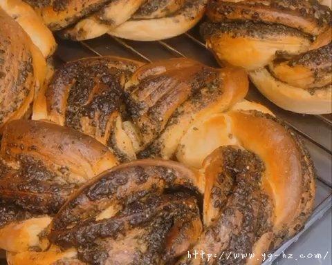 养生黑芝麻红糖全麦fafa软欧面包(波兰种)的做法 步骤24