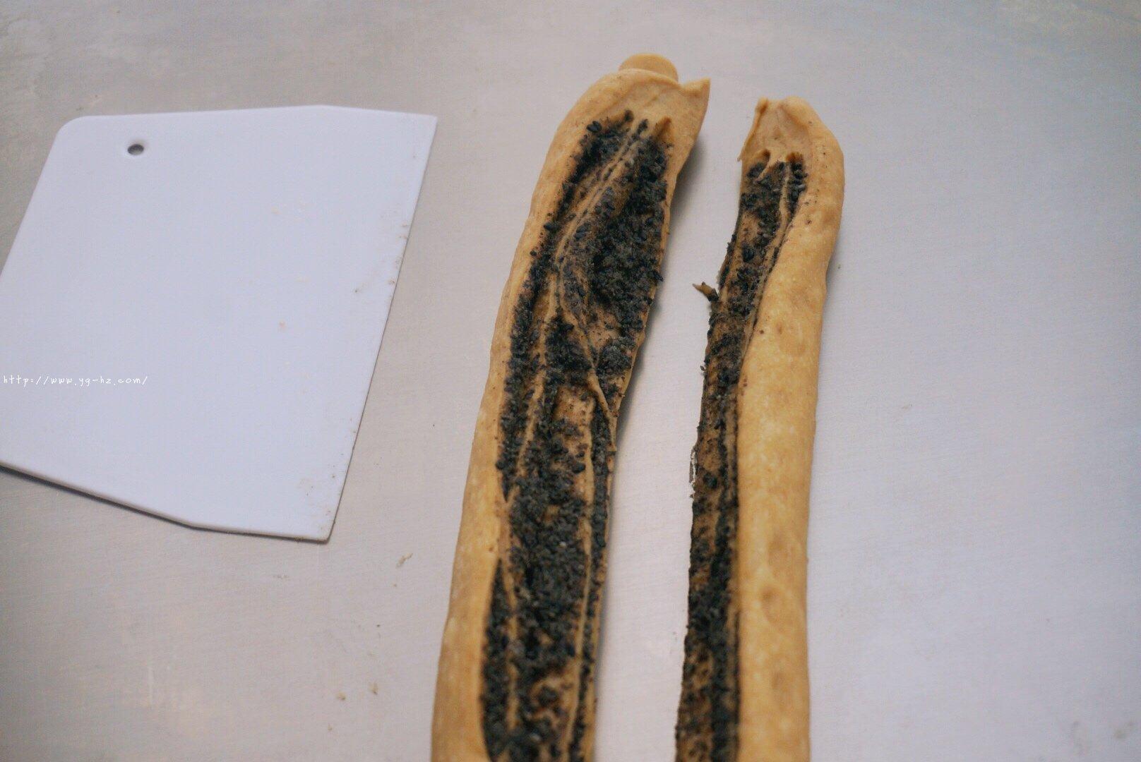 养生黑芝麻红糖全麦fafa软欧面包(波兰种)的做法 步骤16