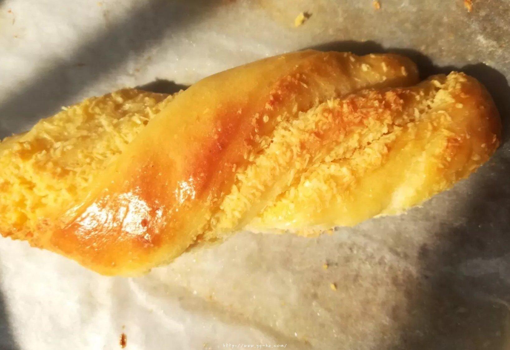 椰蓉面包的做法 步骤13