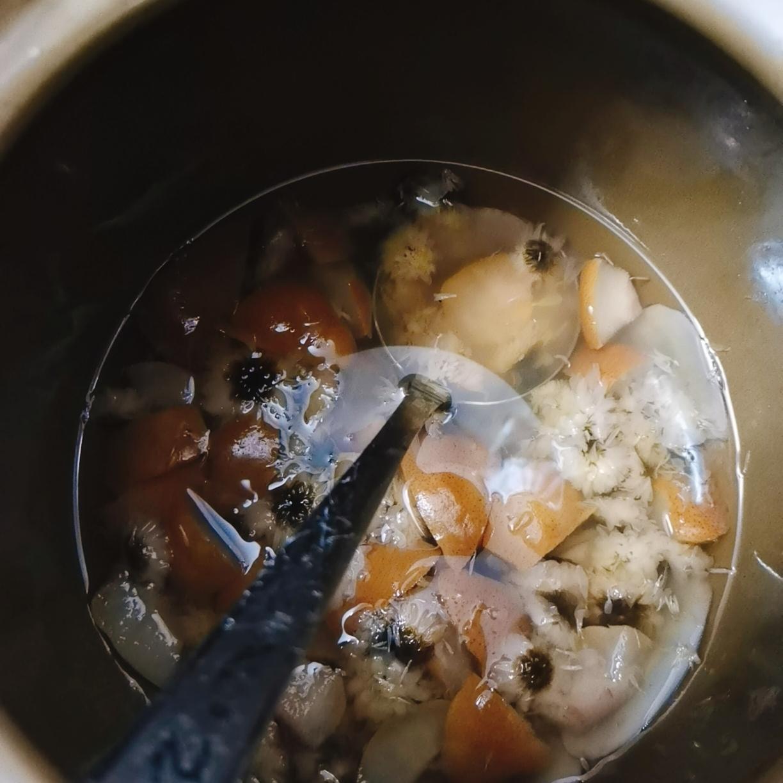 海底椰雪梨菊花膏(零失败)的做法 步骤2