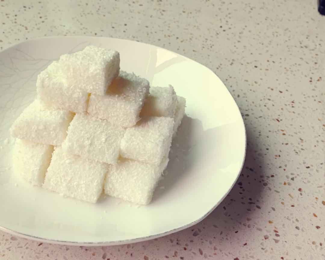 超快手的牛奶椰蓉小方的做法 步骤9