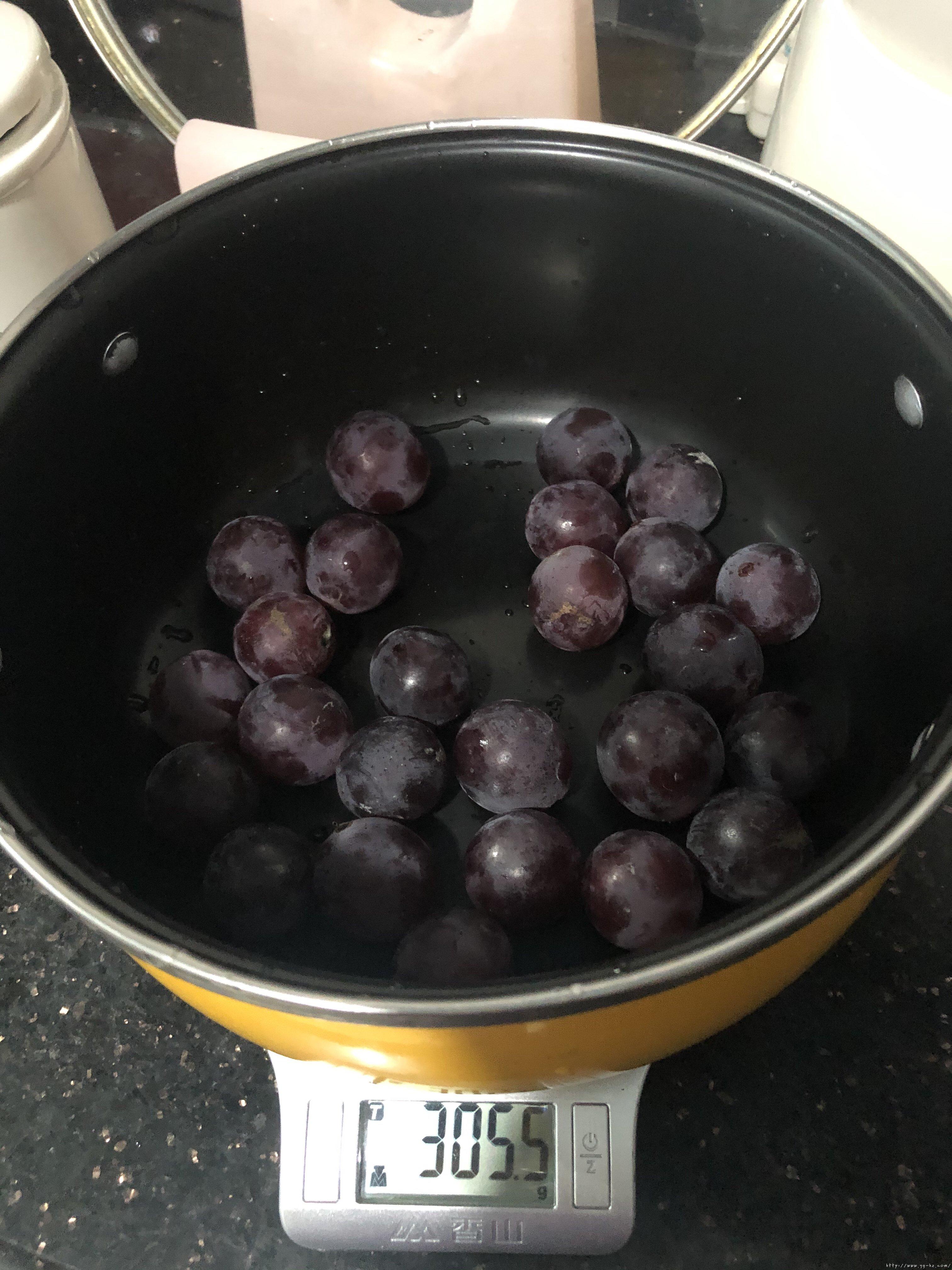 葡萄果冻(白凉粉版)的做法 步骤1