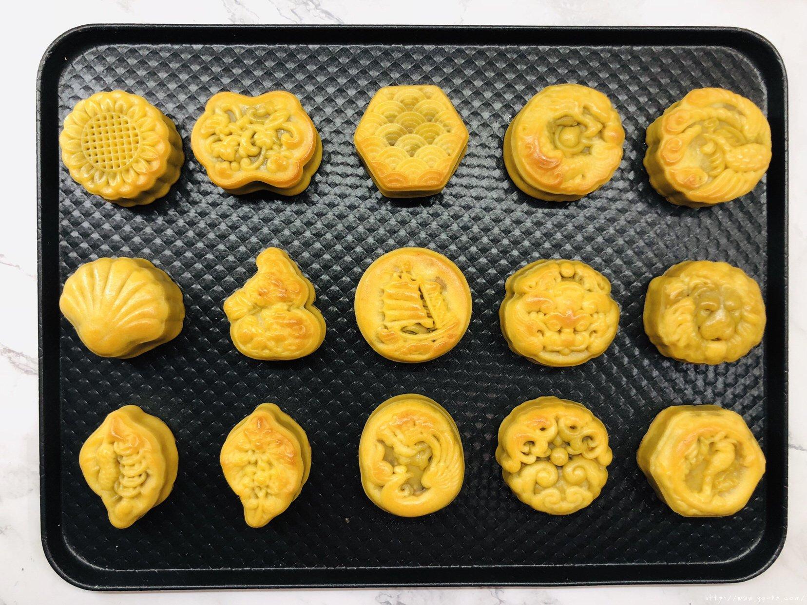 万用饼皮~延展性极好的广式月饼皮,各种花纹无压力的做法 步骤30