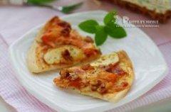 果香鸡肉无边脆底披萨的